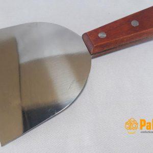 کارتک استیل دسته چوبی مخصوص برای استفاده در قنادی ها و کارگاه های شیرینی پزی