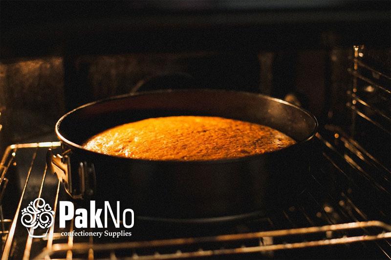 پخت کیک در قالب کمربندی