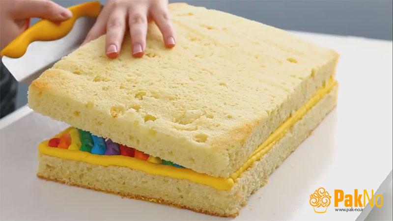 پرکردن لای بیسکوییت کیک