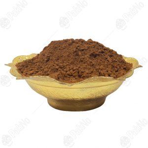 پودر قهوه طمع کیک شیرینی را دلچسب کرده و خوشمزگی خاصی به محصول میدهد. معمولا به ۲ طریق پودر قهوه برای کیک و شیرینی استفاده میشود. قبل از پخت داخل محصول ریخته میشود. بعد از پخت محصول با الک روی محصول پخش میشود.